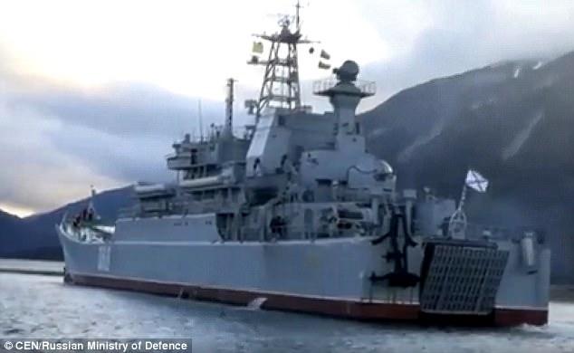 Tàu chiến tham gia tập trận tại Kamchatka (Ảnh: CEN)