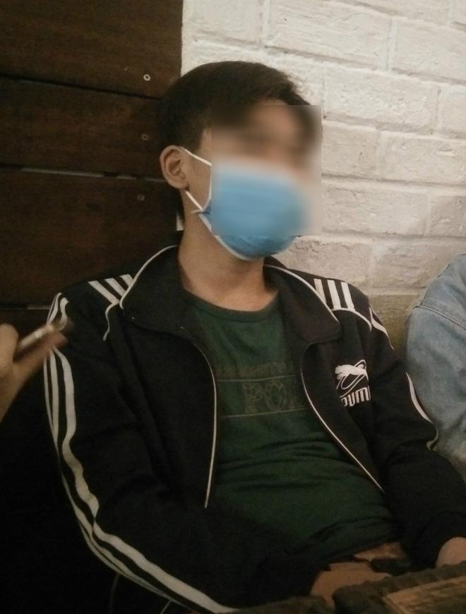 Bảo vệ khẩn cấp, đưa bé trai 15 tuổi nghi bị bà chủ trọ xâm hại tình dục vào trung tâm nuôi dưỡng - Ảnh 2.