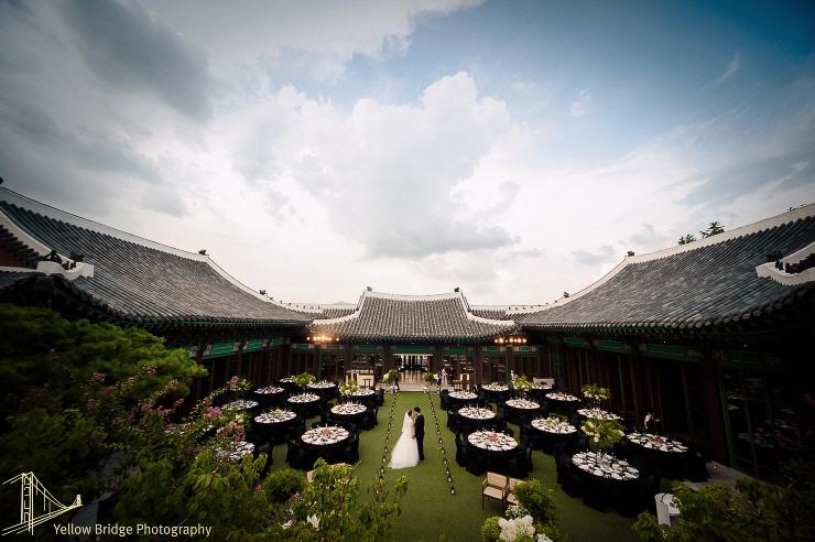 Đám cưới Song Joong Ki và Song Hye Kyo được tổ chức ở lễ đường hoành tráng bậc nhất Hàn Quốc, xem ai mà không choáng! - Ảnh 6.