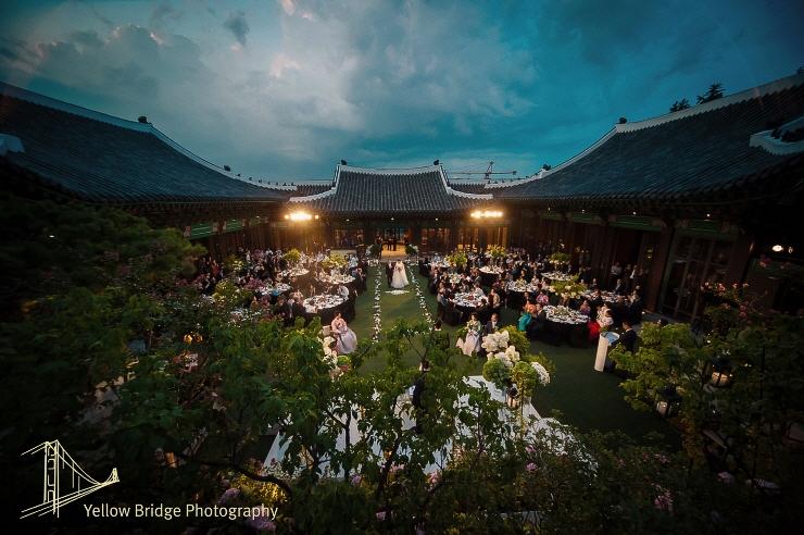 Đám cưới Song Joong Ki và Song Hye Kyo được tổ chức ở lễ đường hoành tráng bậc nhất Hàn Quốc, xem ai mà không choáng! - Ảnh 11.