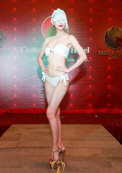 ha-thu-va-cac-nguoi-dep-miss-earth-che-mat-dien-bikini