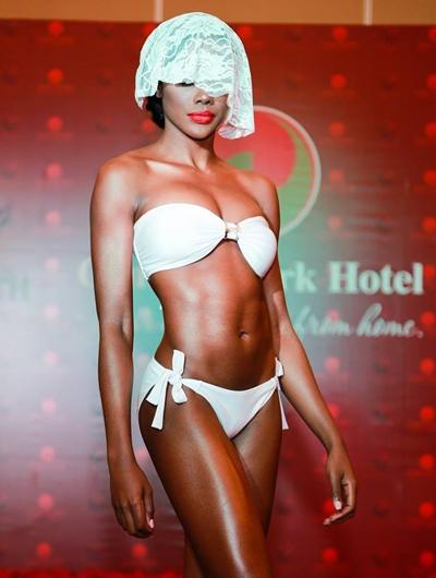 Vóc dáng khỏe khoắn của Hoa hậu Panama, Erika Parker.