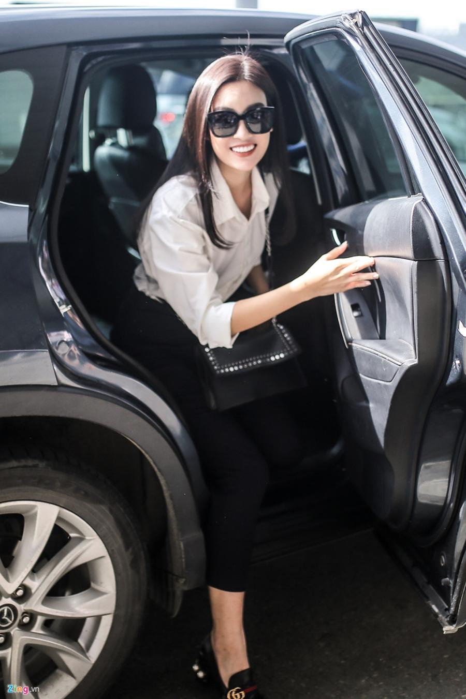 Hoa hau My Linh tuoi tan truoc gio sang Trung Quoc thi Miss World 2017 hinh anh 1