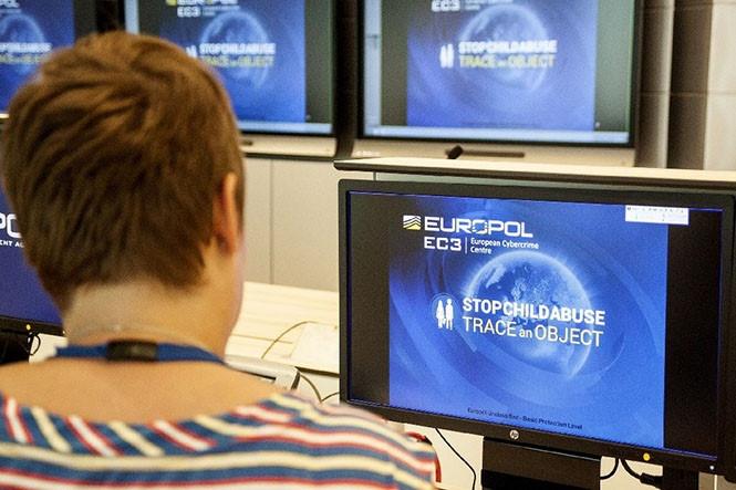 KRACK đang đe dọa các hệ thống Wi-Fi trên phạm vi toàn cầu  /// Ảnh: AFP