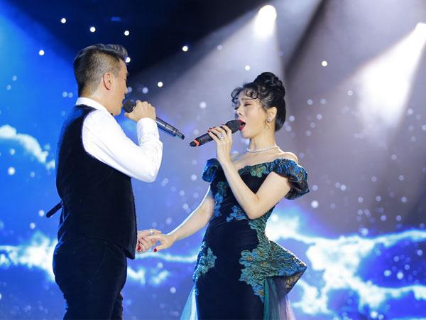 Lệ Quyên và Hồ Ngọc Hà tránh mặt nhau trong đêm nhạc với Đàm Vĩnh Hưng