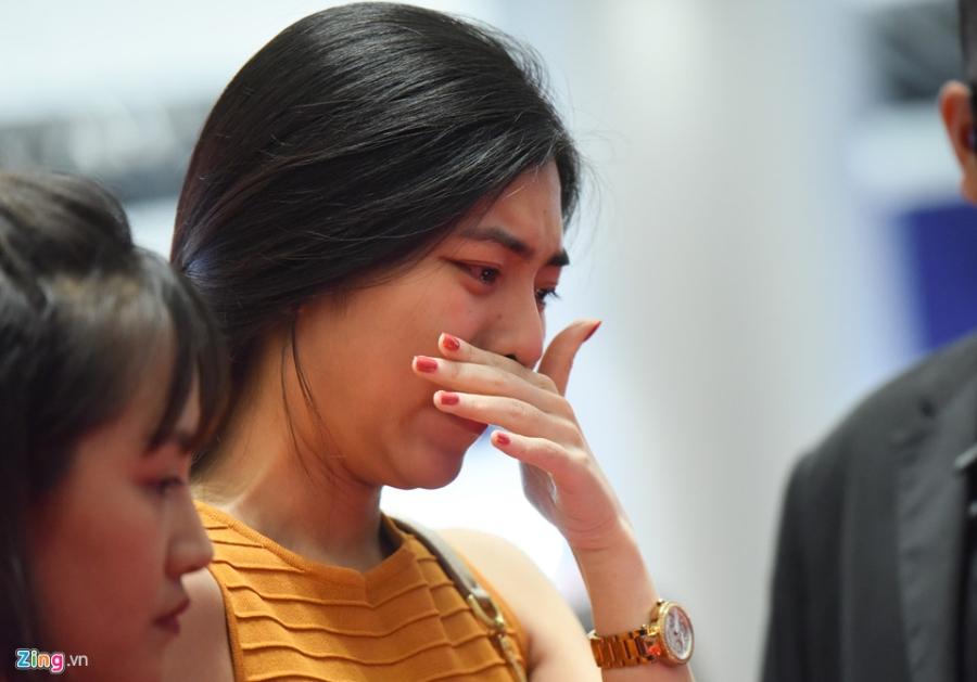 Chi gai cau be qua doi vi ung thu bat khoc khi xin chu ky Son Tung hinh anh 7