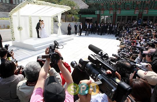 Tin buồn cho fan: Song Hye Kyo và Song Joong Ki sẽ không làm họp báo trước lễ cưới? - Ảnh 3.