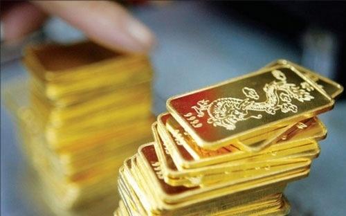 Mở cửa phiên sáng nay 20/10, giá vàng SJC bất ngờ tăng rồi nhanh chóng điều chỉnh đi xuống khi giá giao ngay tại châu Á có biên độ giảm hơn 6 USD/ounce.