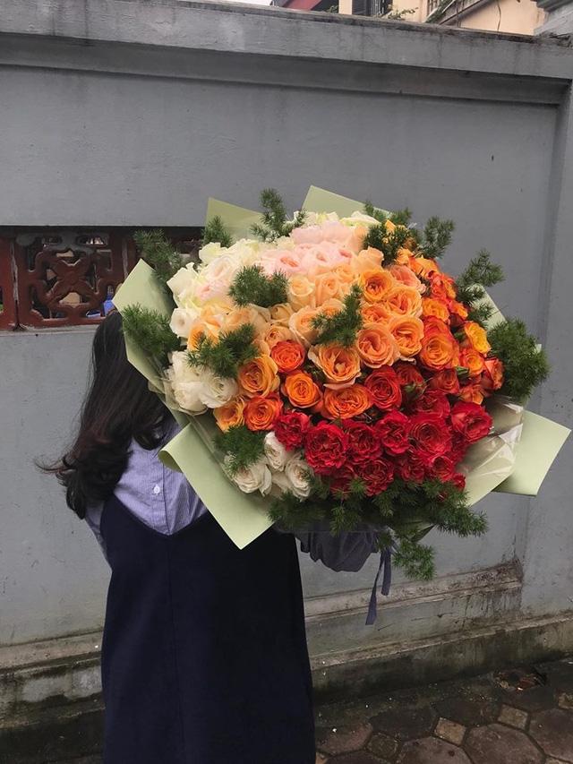 Mang hoa đến địa chỉ khách đặt