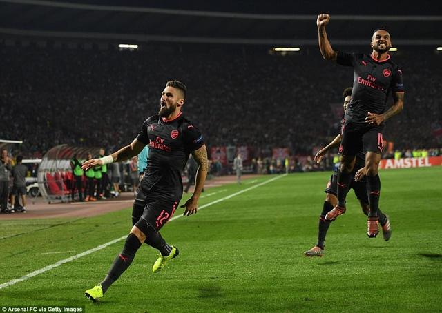 Giroud là người hùng của Arsenal trong trận đấu với Crvena Zvezda