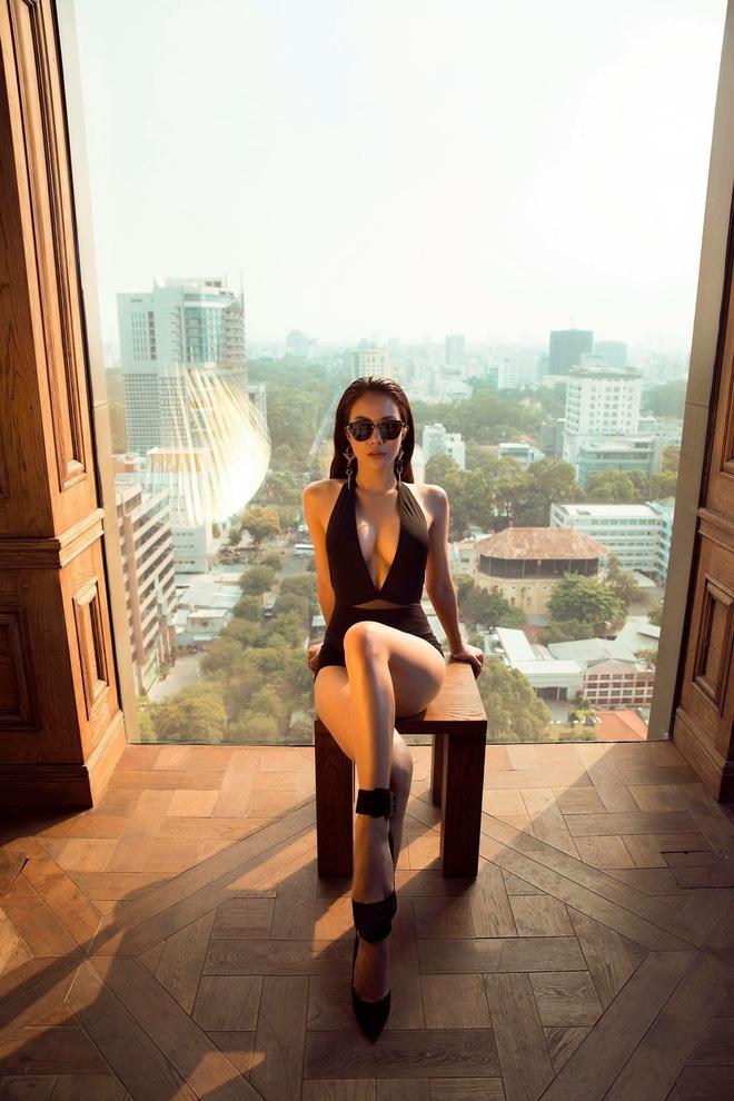 Những cô nàng độc thân quyến rũ chẳng màng chồng con vẫn sống vui của showbiz Việt - Ảnh 15.