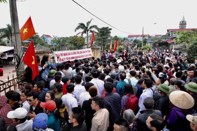 Khai trừ Đảng bí thư, kỷ luật 4 lãnh đạo xã Đồng Tâm - Ảnh 3.