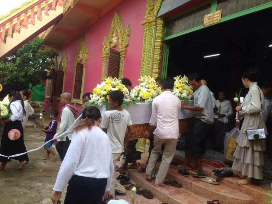 Le tang sao nu Campuchia bi chong ban chet: Nguoi tinh den vieng hinh anh 4