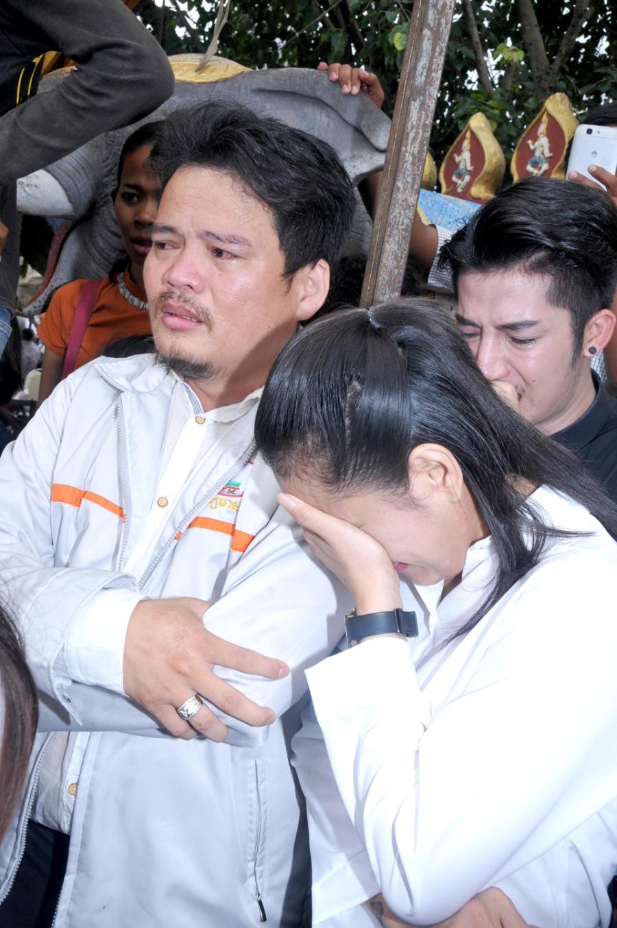 Le tang sao nu Campuchia bi chong ban chet: Nguoi tinh den vieng hinh anh 8