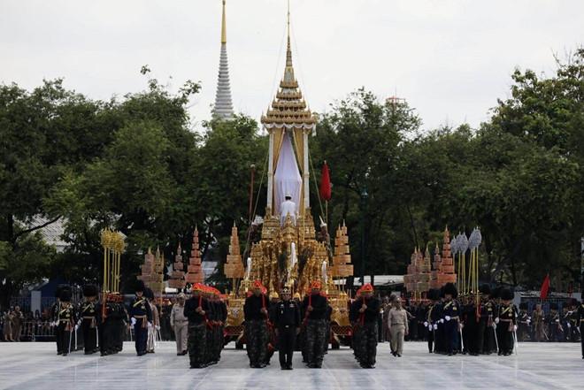 Nguoi Thai len ke hoach du le hoa tang Vua Bhumibol hinh anh 1