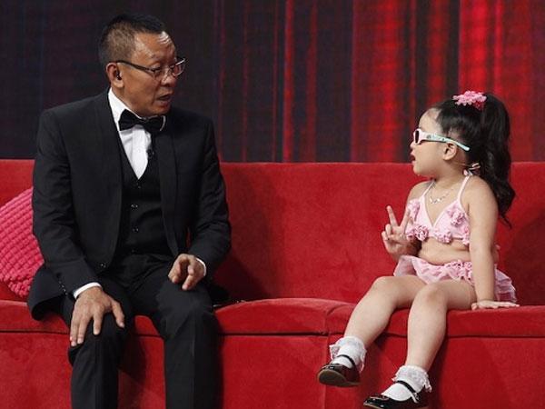 Lại Văn Sâm xin lỗi cháu gái trên sóng VTV vì cách giáo dục sai lầm