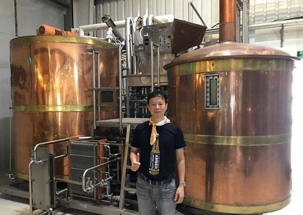 Bia thủ công, bia châu âu, nhà máy bia, văn hóa bia, bia phố cổ, bia truyền thống, bia công nghiệp