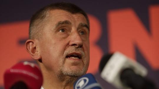 Thủ lĩnh phong trào ANO - tỉ phú Andrej Babis - phát biểu tại cuộc họp báo ngày 21-10. Ảnh: REUTERS