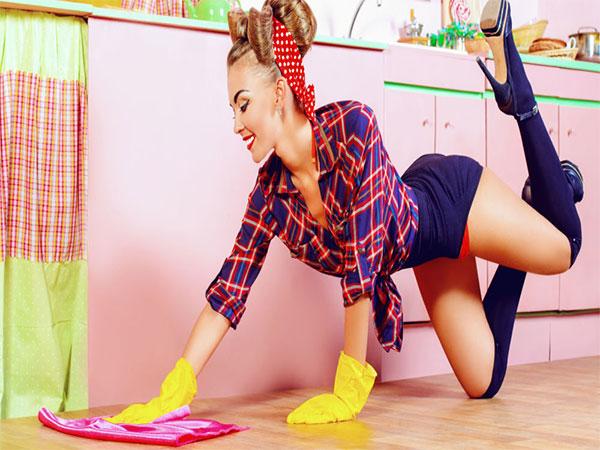 Phụ nữ chọn dọn nhà sạch hơn là quan hệ tình dục