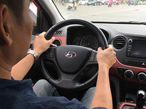 Vô-lăng bị khóa chặt - lỗi nhiều tài xế Việt thường mắc