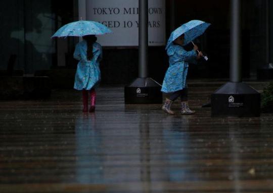 Bão Lan quần thảo Nhật Bản, 7 người thương vong - Ảnh 3.
