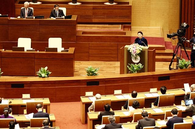 Chủ tịch Quốc hội Nguyễn Thị Kim Ngân phát biểu khai mạc kỳ họp thứ 4 Quốc hội khoá XIV. (Ản: Việt Hưng)