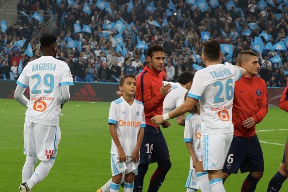 Neymar nhan the do, Cavani toa sang giup PSG cam hoa Marseille hinh anh 1