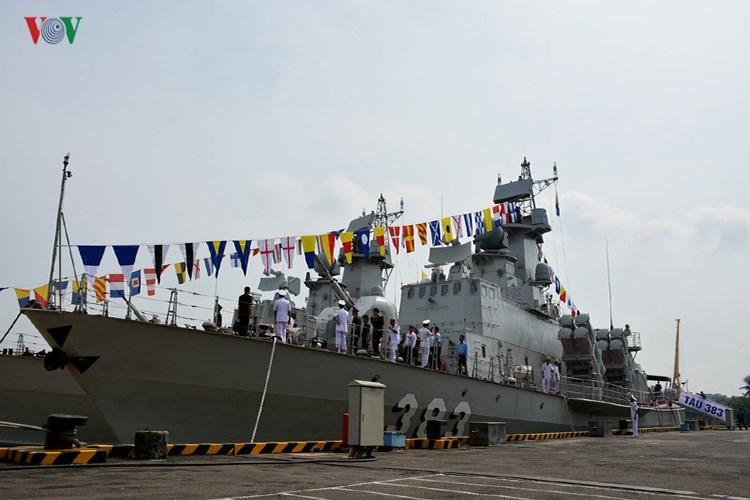 Khi Việt Nam ký với Nga hợp đồng đóng mới cặp tàu hộ vệ tên lửa Gepard 3.9 đầu tiên, đã có rất nhiều kỳ vọng rằng phía bạn sẽ đồng ý chuyển giao công nghệ để ta có thể tự thi công lớp chiến hạm tối tân này trong nước, tương tự như trường hợp Molniya 1241.8.