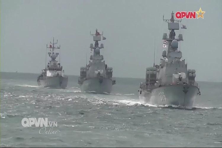 Điều này thực sự là cần thiết đối với yêu cầu hiện đại hóa lực lượng hải quân của nước ta hiện tại, bên cạnh việc bổ sung tàu chiến mới cho biên đội tàu hiện có việc tự đóng mới KBO-2000 còn cho phép chúng ta phát triển năng lực đóng các loại tàu chiến cỡ lớn mang tính định hướng lâu dài.