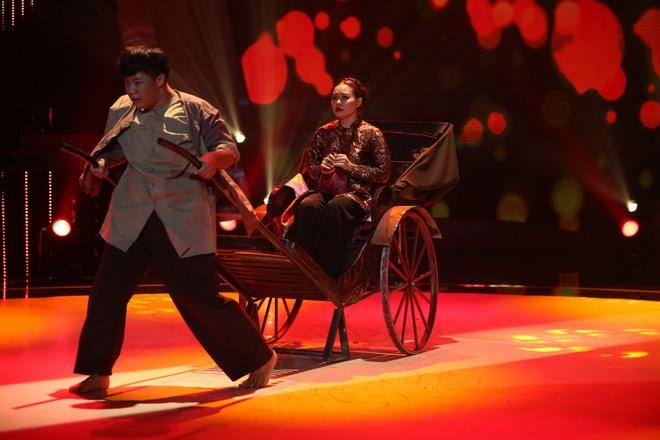 Việt Hương bật khóc trước phần trình diễn xúc động của thí sinh Bước nhảy ngàn cân - Ảnh 7.